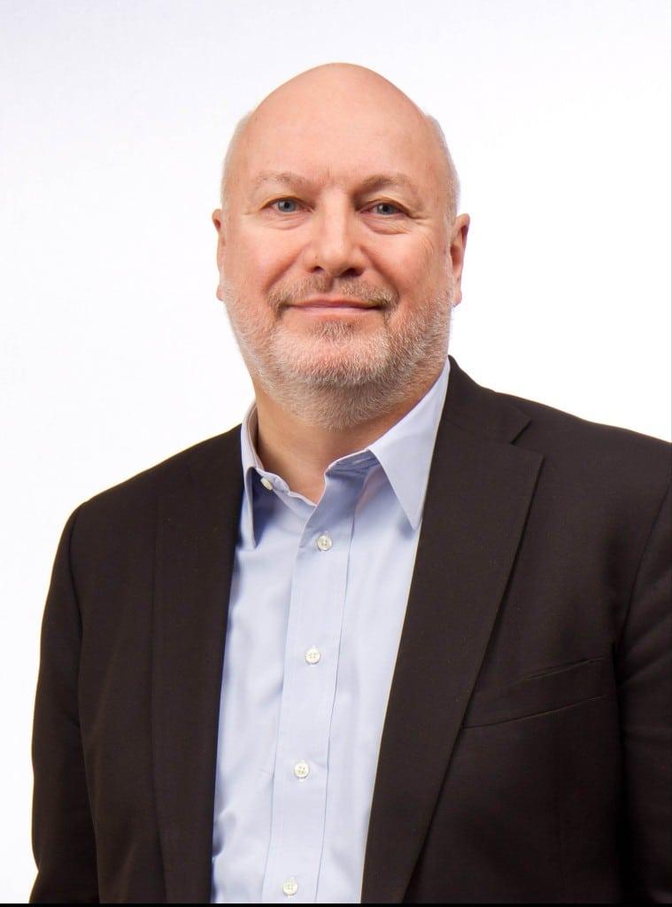 Lee Frederiksen Hinge