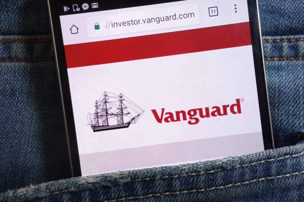 vanguard app in back pocket